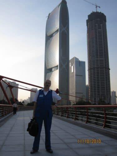 Risto Joutsiniemi in front of Pearl River Tower