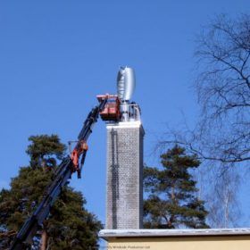 WS-2B being installed in Tammisaari, Finland